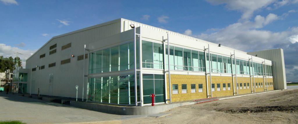 proyecto en alumino en hangares de la policia